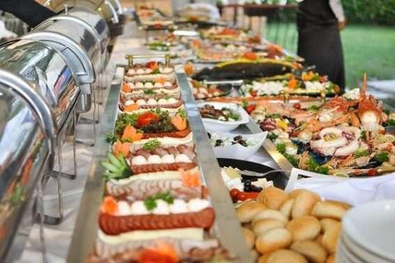tiệc cưới buffet