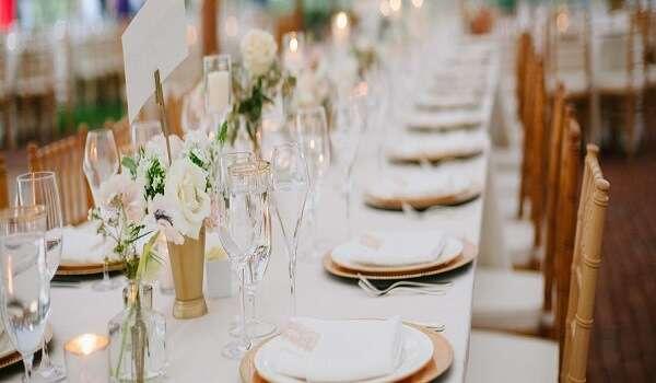 nhà hàng tổ chức hôn lễ